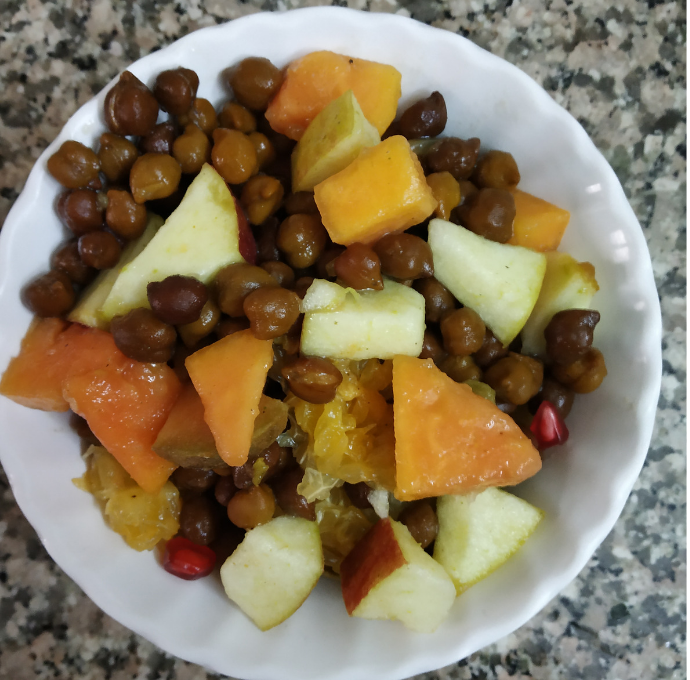 Fruit Salad with Boiled Black Chickpeas