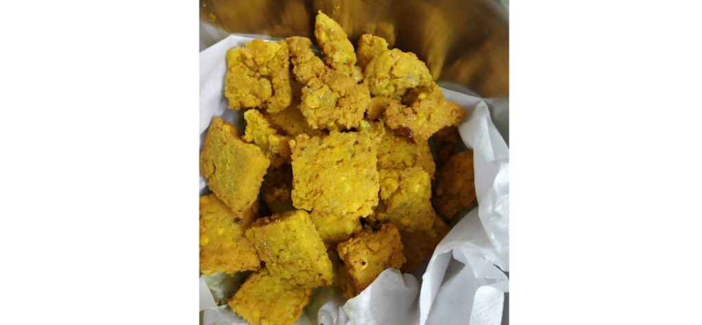 Fried dhoka pieces